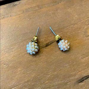 Sweet Pearly stud earrings